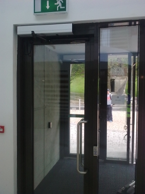 An image of an electronic door
